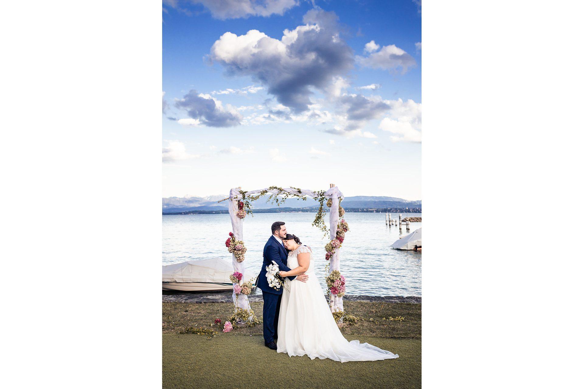 Mariage au bord du lac Léman - Matthieu Chandelier photographe de mariage Annecy 3