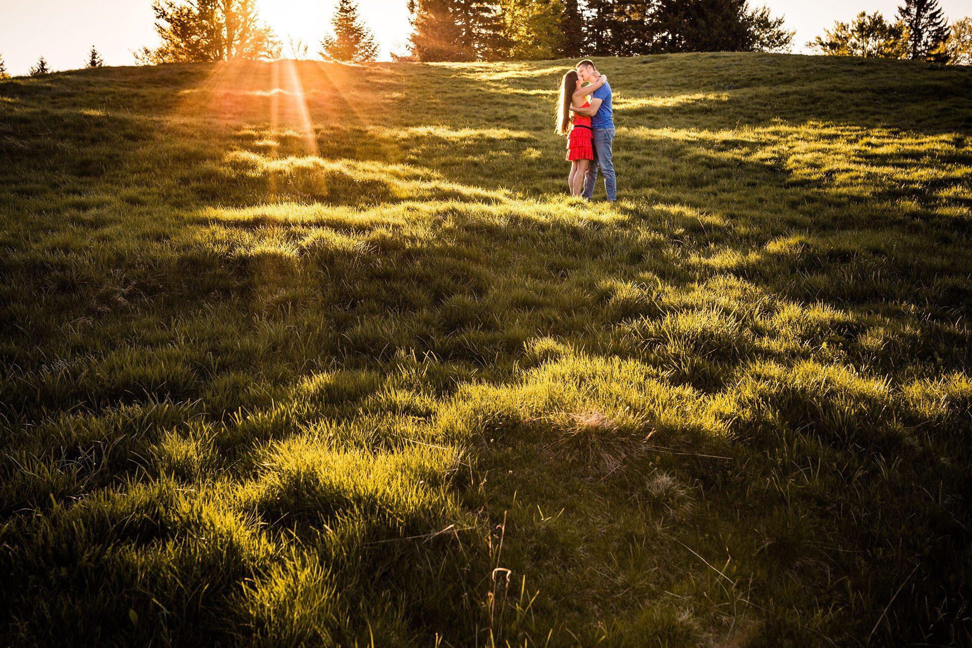 Matthieu Chandelier séance photo engagement couple montagne Savoie