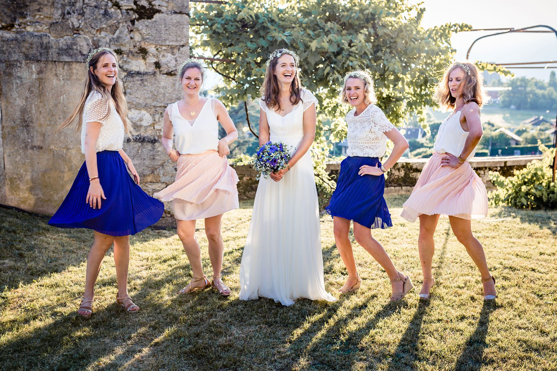 Photo de groupe fun - Matthieu Chandelier photographe de mariage