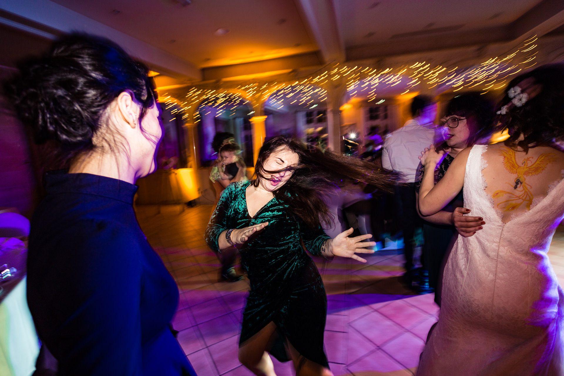 Photographe reportage de mariage soirée Chambéry et Annecy