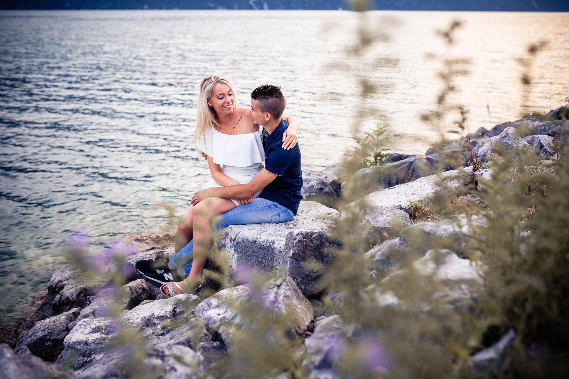 Séance photo de couple lac du Bourget Chambéry